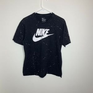 Nike Mens L Black and White Swoosh Logo Spellout